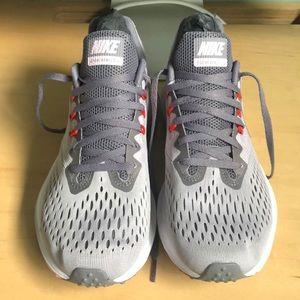 Women's Nike Winflo 4 size9.5